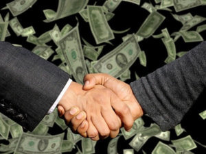スマホ料金プランが安くならないのはなぜ?ドコモ、KDDI、ソフトバンク、楽天参入で安くなるの?