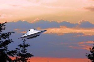 UFO目撃動画?情報カメラが捉えた未確認飛行物体って何?