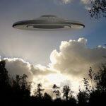 UFOを米国防総省が認めた?未確認飛行物体の映像を公開で話題に